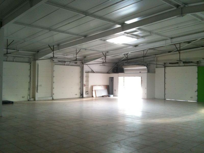 A LOUER Local 390 m² pour activité AUTOMOBILE ZI MONLONG