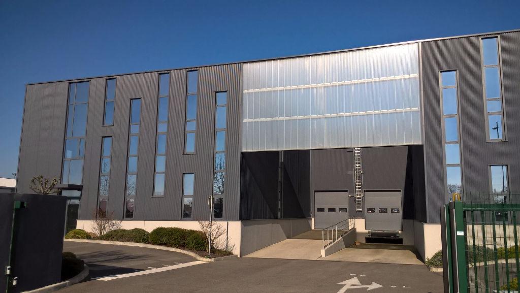 A LOUER Local d'activité  383 M² EUROCENTRE Castelnau d'Estretefonds