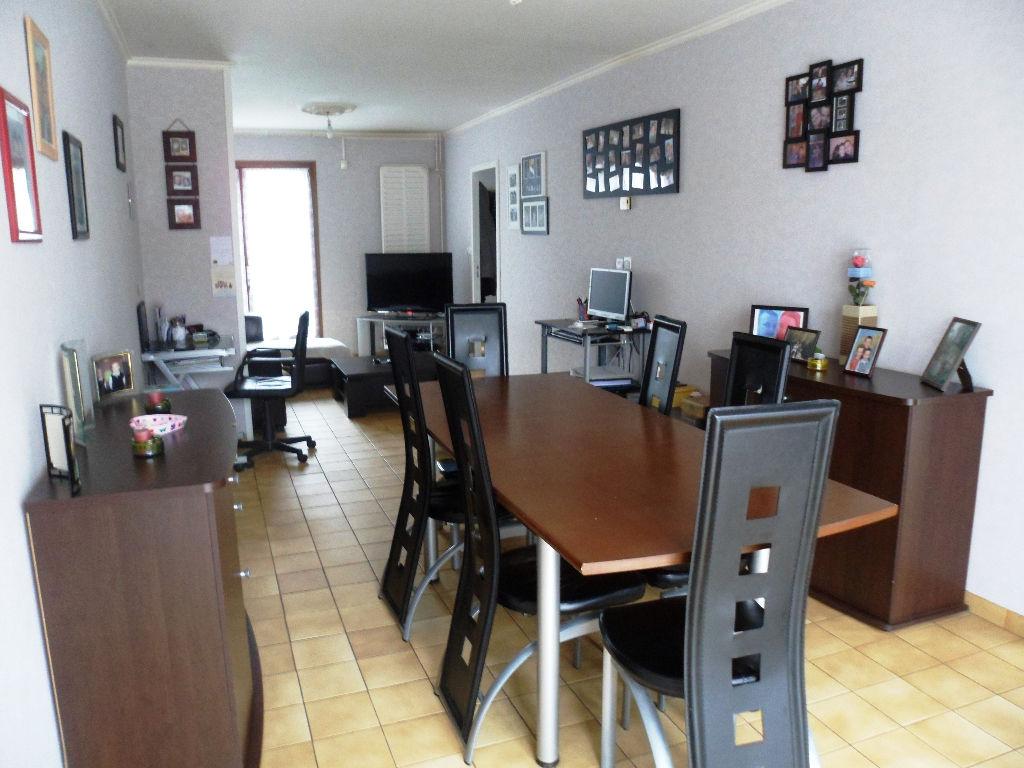 vente maison appartement maubeuge 59600 sur le partenaire. Black Bedroom Furniture Sets. Home Design Ideas