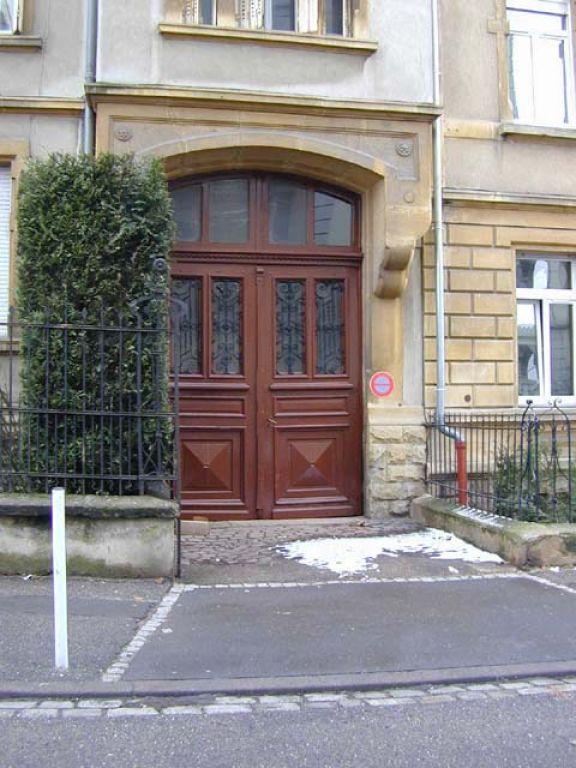 Garage louer montigny les metz montigny l s metz 57950 for Location garage moselle