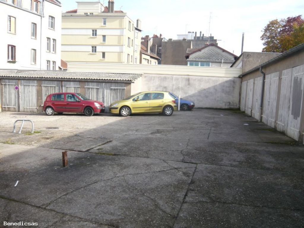 Parking box louer metz plantieres metz 57000 for Garage box a louer nantes
