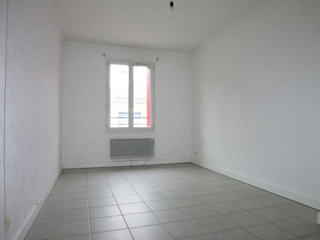 Location appartement 2 pi ces evreux 500 appartement for Appartement atypique evreux