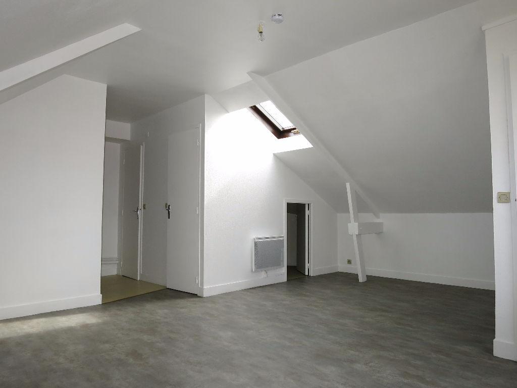 location appartement 1 pi ce evreux 395 cc appartement louer 27000 vente et. Black Bedroom Furniture Sets. Home Design Ideas