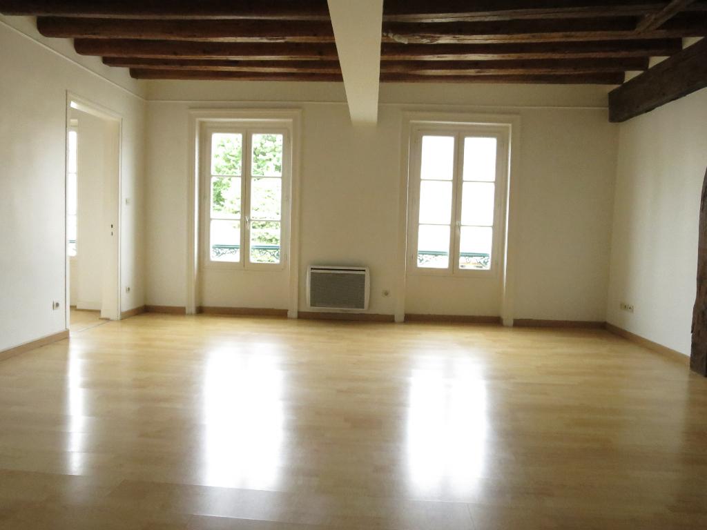 appartement à louer DAMVILLE