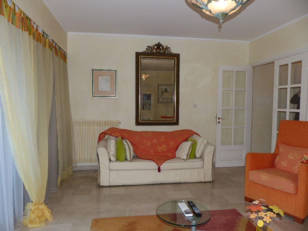 appartement 3 pi ces 80 m2 ajaccio 20000. Black Bedroom Furniture Sets. Home Design Ideas