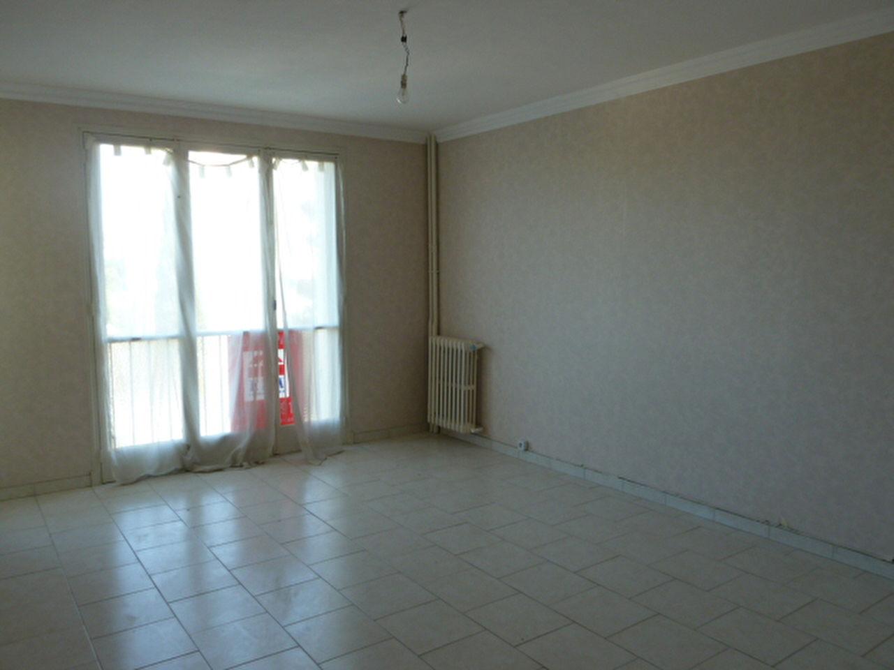 Vente Appartement 4 pièces MARSEILLE 13011