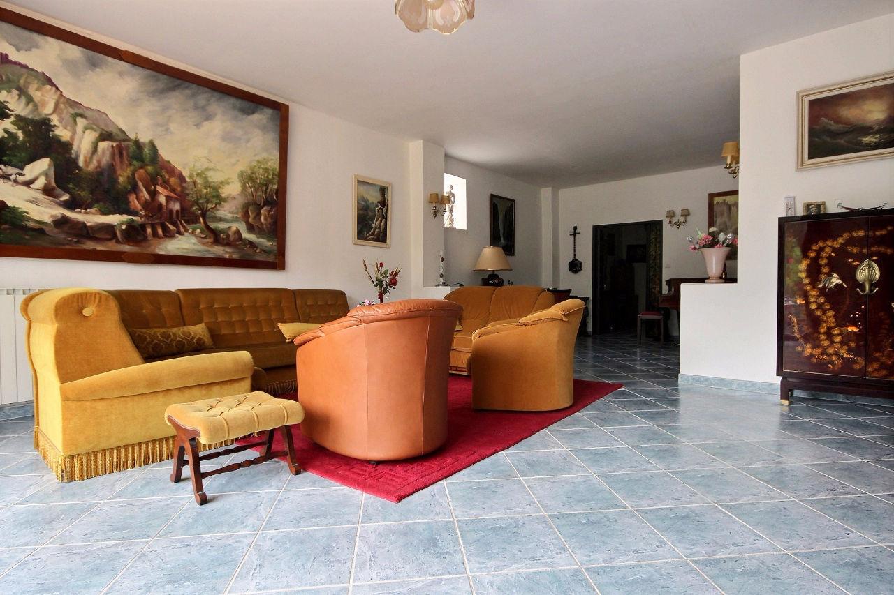 vente maison villa plan de cuques plan de cuques 13380. Black Bedroom Furniture Sets. Home Design Ideas