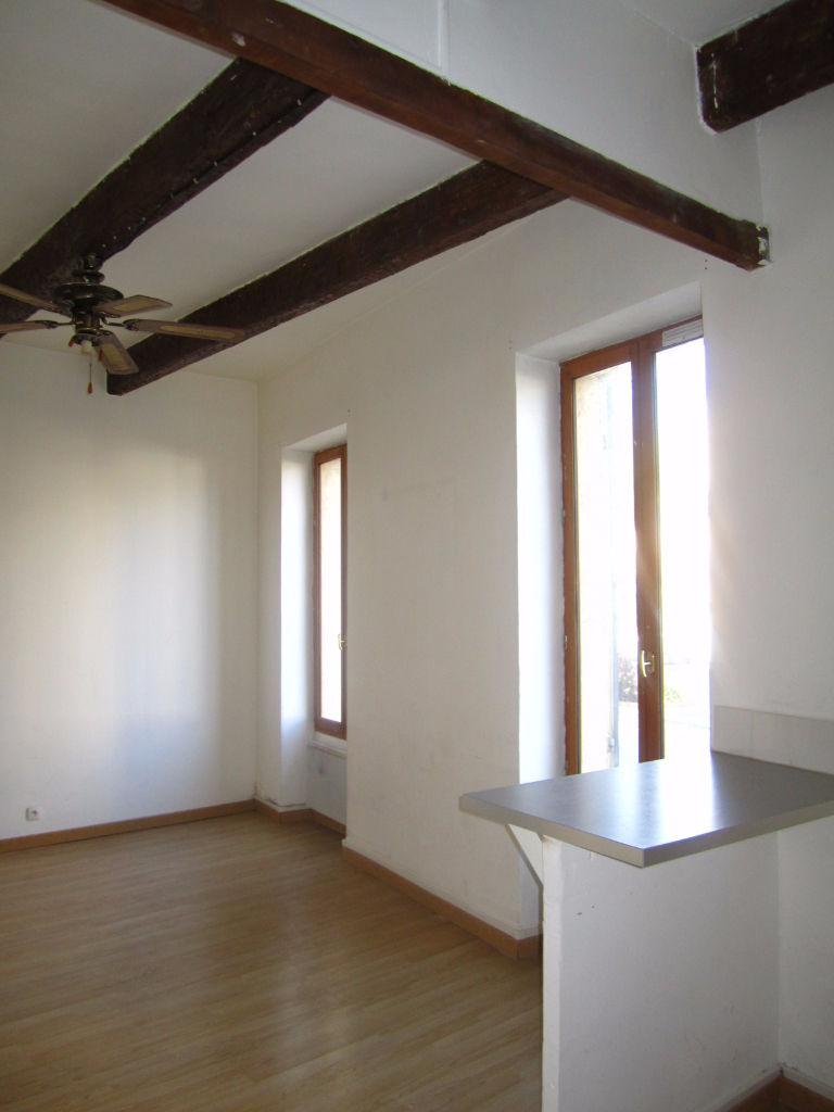 Location Appartement 1 pièces MARSEILLE 13004