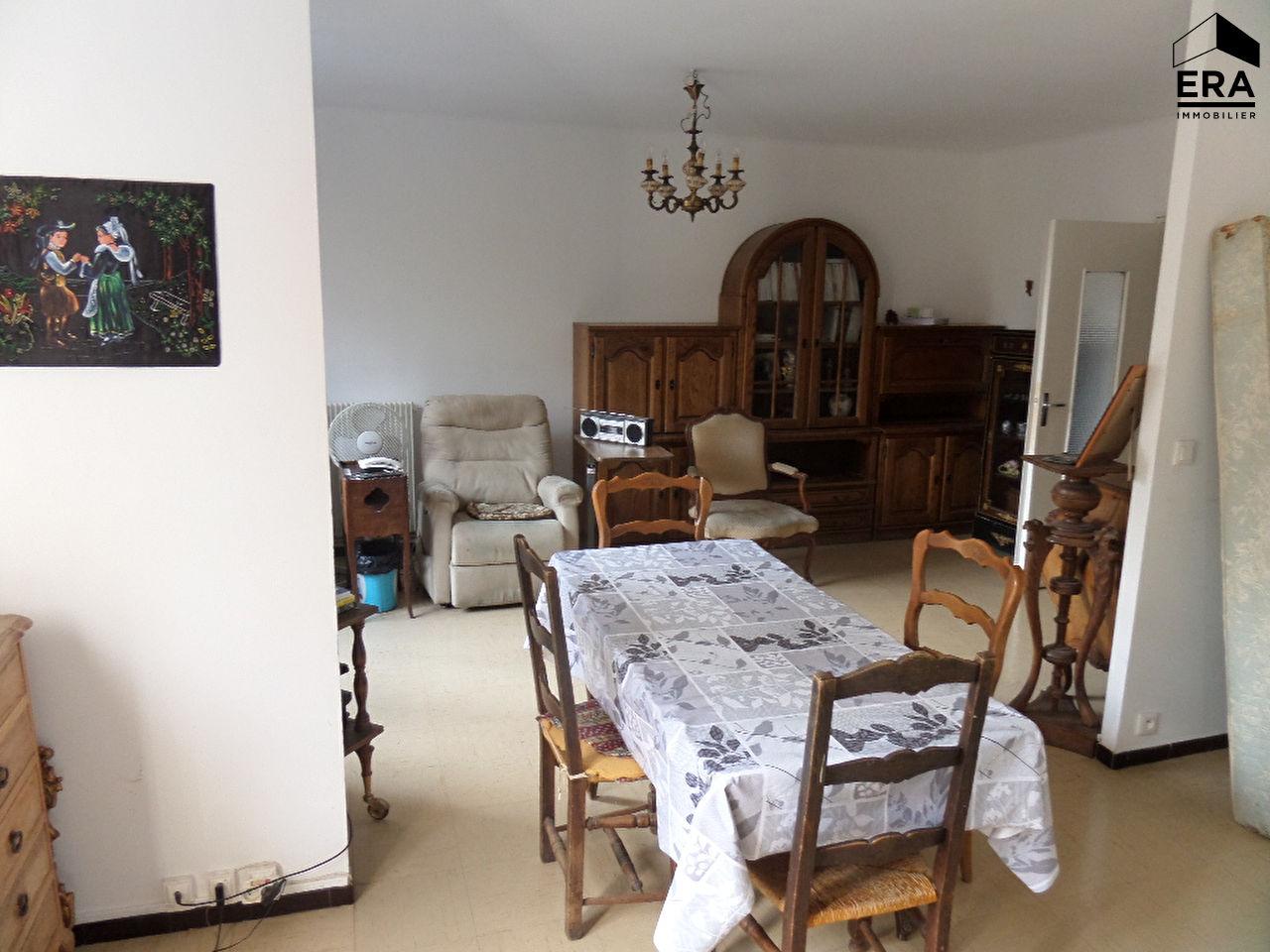 t3 4 garage cave aix en provence centre ville pied aix en provence 13080. Black Bedroom Furniture Sets. Home Design Ideas