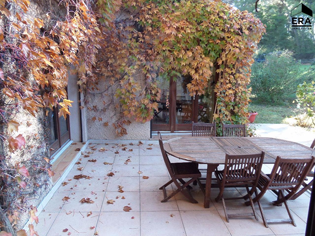Achat immobilier villa type six avec grand terrain aix for Achat maison aix en provence
