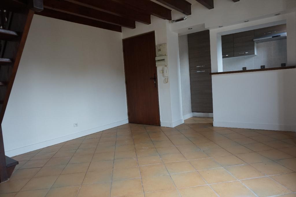 photo de NOGENT LE ROI A LOUER Appartement 2 pièces