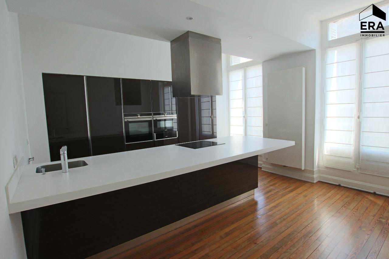 Location Maison 7 pièces BORDEAUX 33000