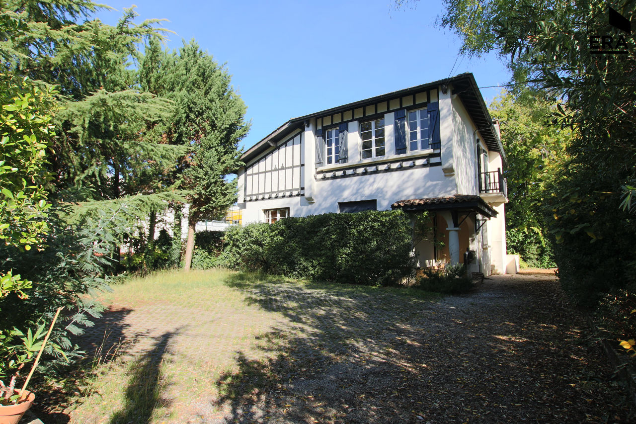 Vente Maison 9 pièces BORDEAUX 33000