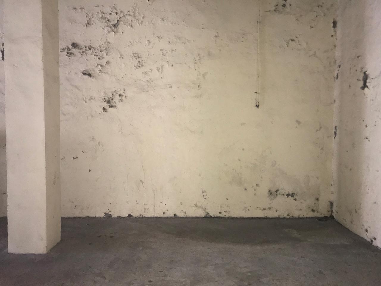 location garage parking manosque 04100 sur le partenaire. Black Bedroom Furniture Sets. Home Design Ideas