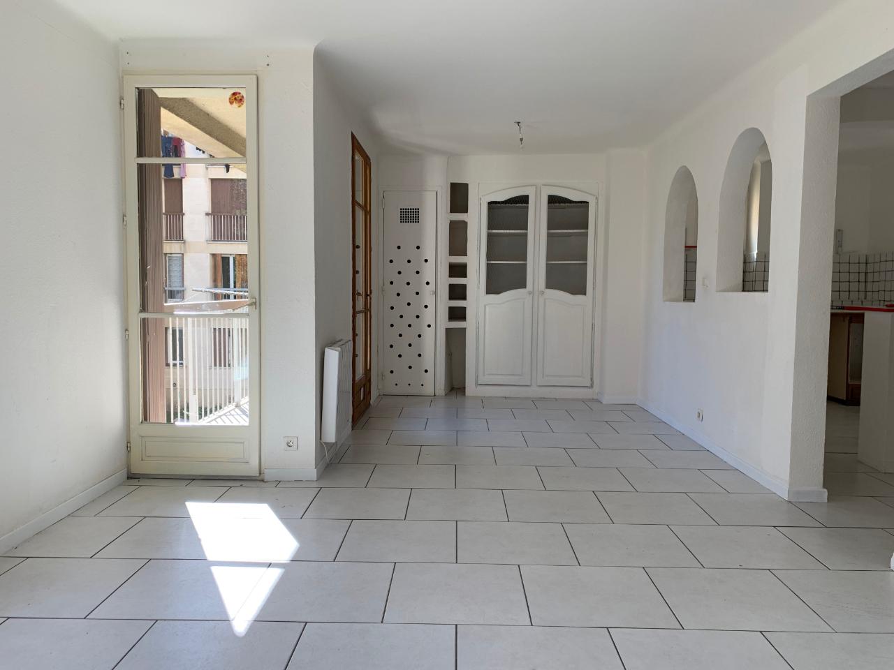 location appartement manosque 4 pi ces 100m 720 mois sur le partenaire. Black Bedroom Furniture Sets. Home Design Ideas
