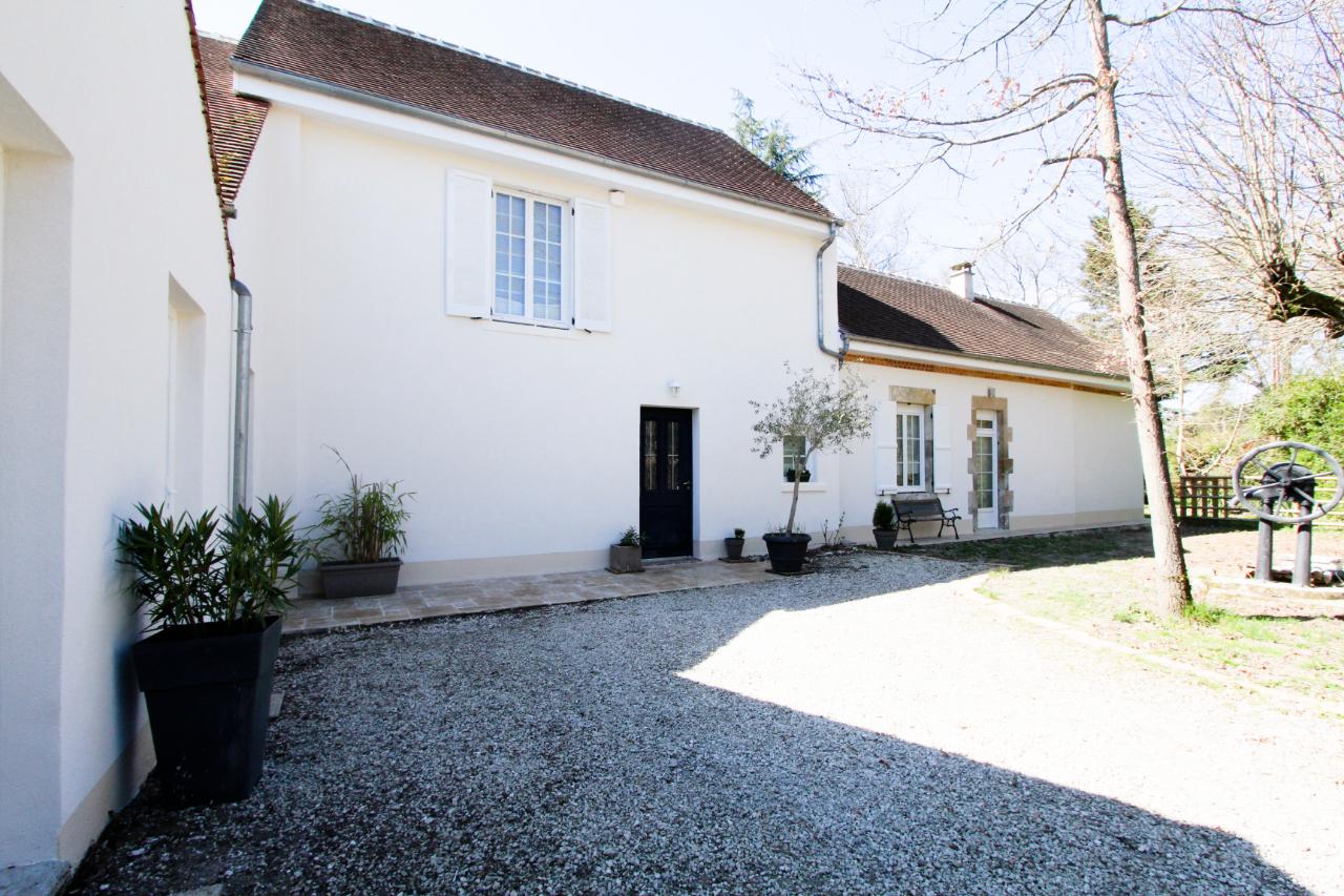 photo de Belle maison ancienne rénovée dans environnement privilégié proche bords de Loire
