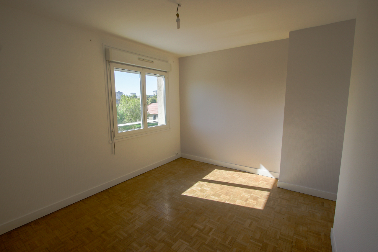 appartement orleans 4 pi ce s 76 4 m2 orl ans 45000. Black Bedroom Furniture Sets. Home Design Ideas