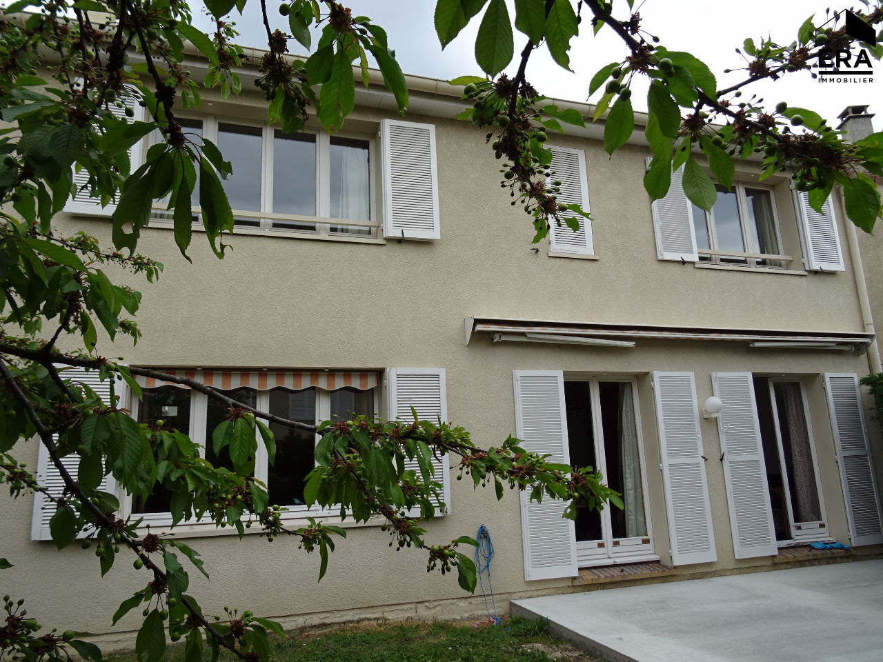 Maison le plessis bouchard 7 pi ce s 157 m2 franconville for Garage de la piscine franconville