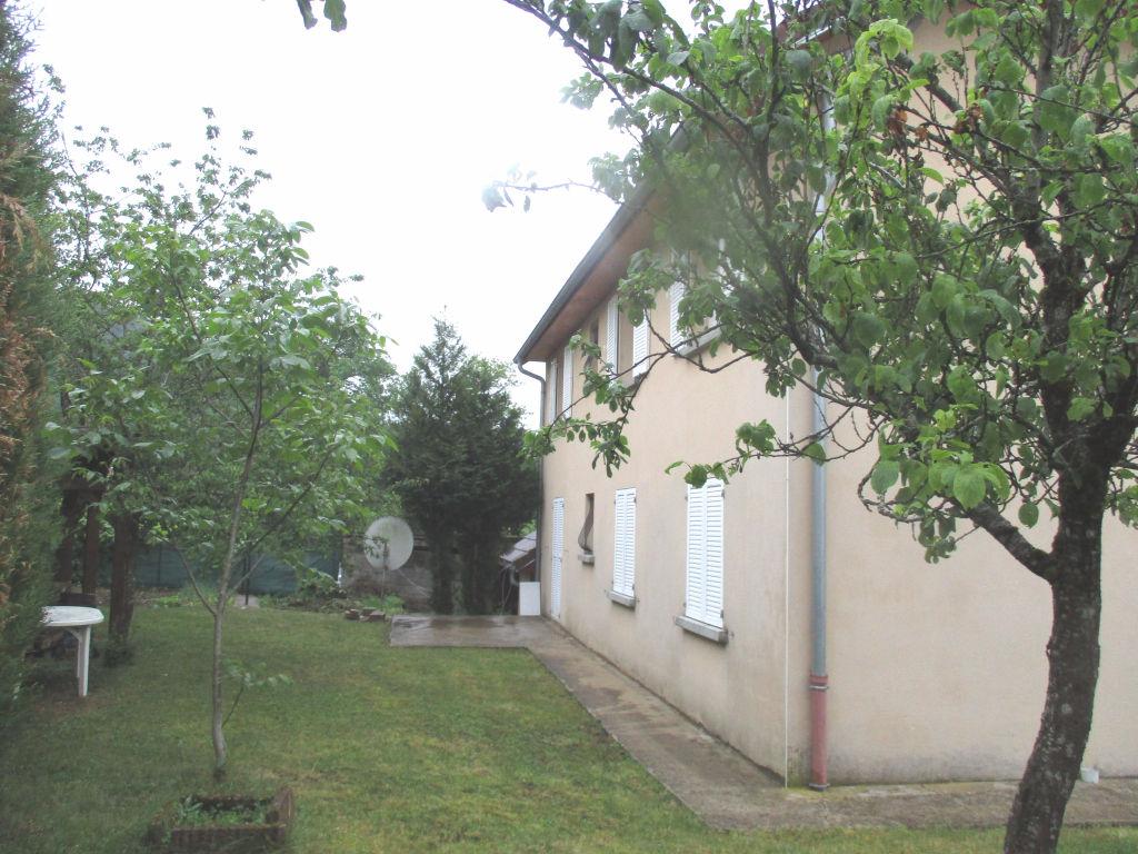 Maison individuelle avec 3 logements moirans en montagne 39260 for Garage moirans en montagne