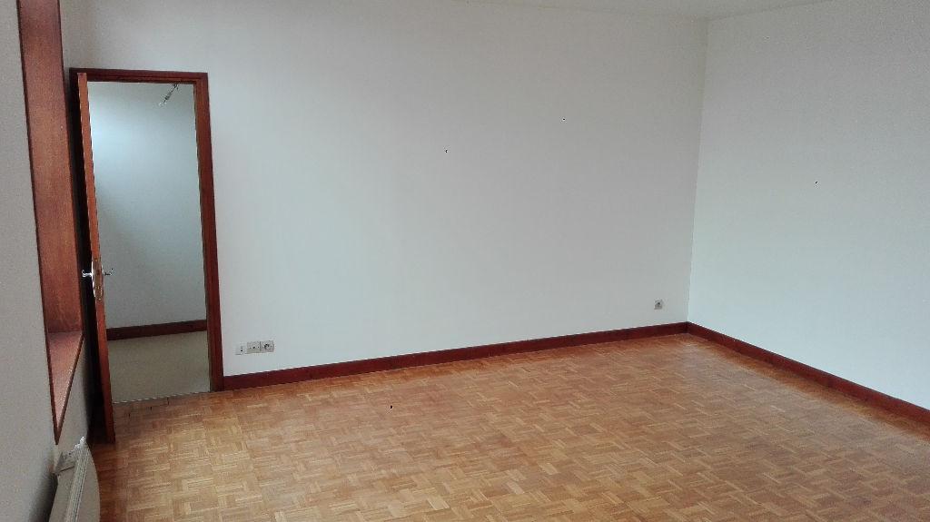 Rental apartment Aire sur la lys 505€ CC - Picture 1