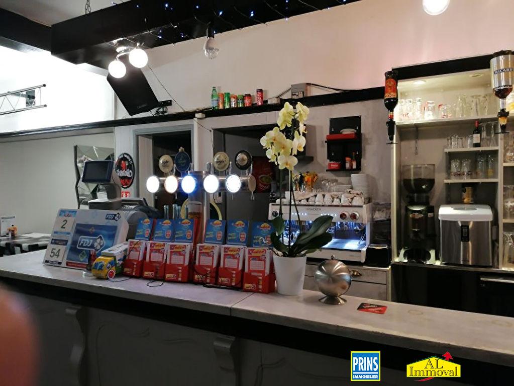 Commercial property sale shop Isbergues 99900€ - Picture 1
