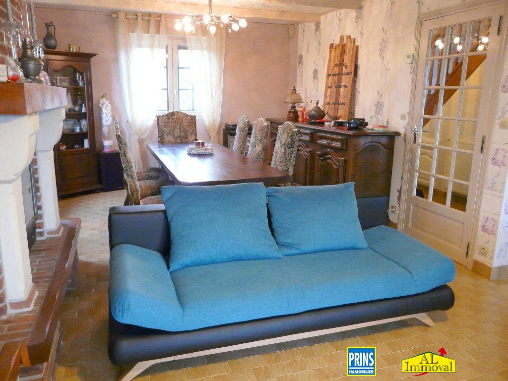 Sale house / villa Eringhem 275600€ - Picture 2