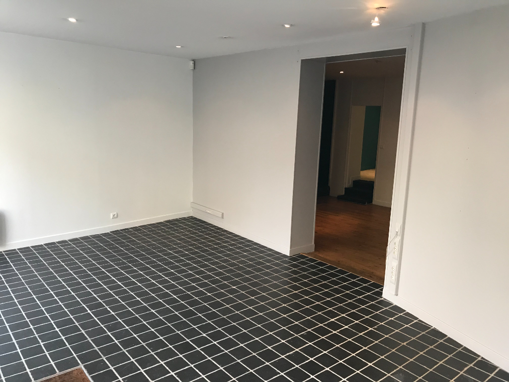 Location local commercial Saint omer 650€ HC - Photo 2