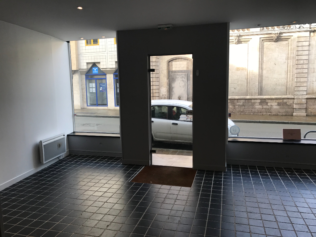Location local commercial Saint omer 650€ HC - Photo 5