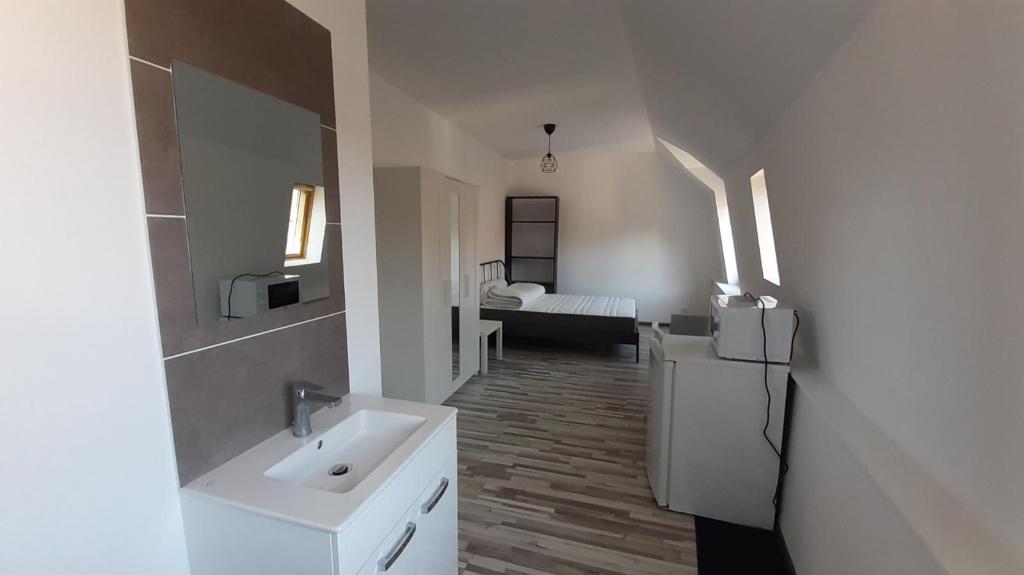 Rental apartment Saint omer 370€ CC - Picture 1