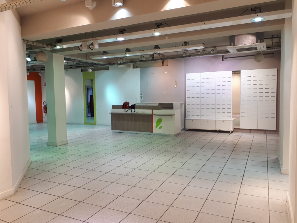 Location local commercial Saint omer 2500€ HC - Photo 3