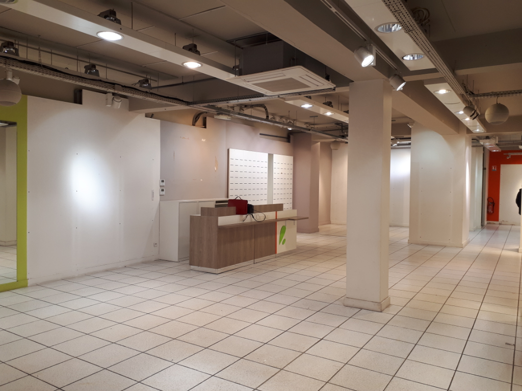 Location local commercial Saint omer 2500€ HC - Photo 4
