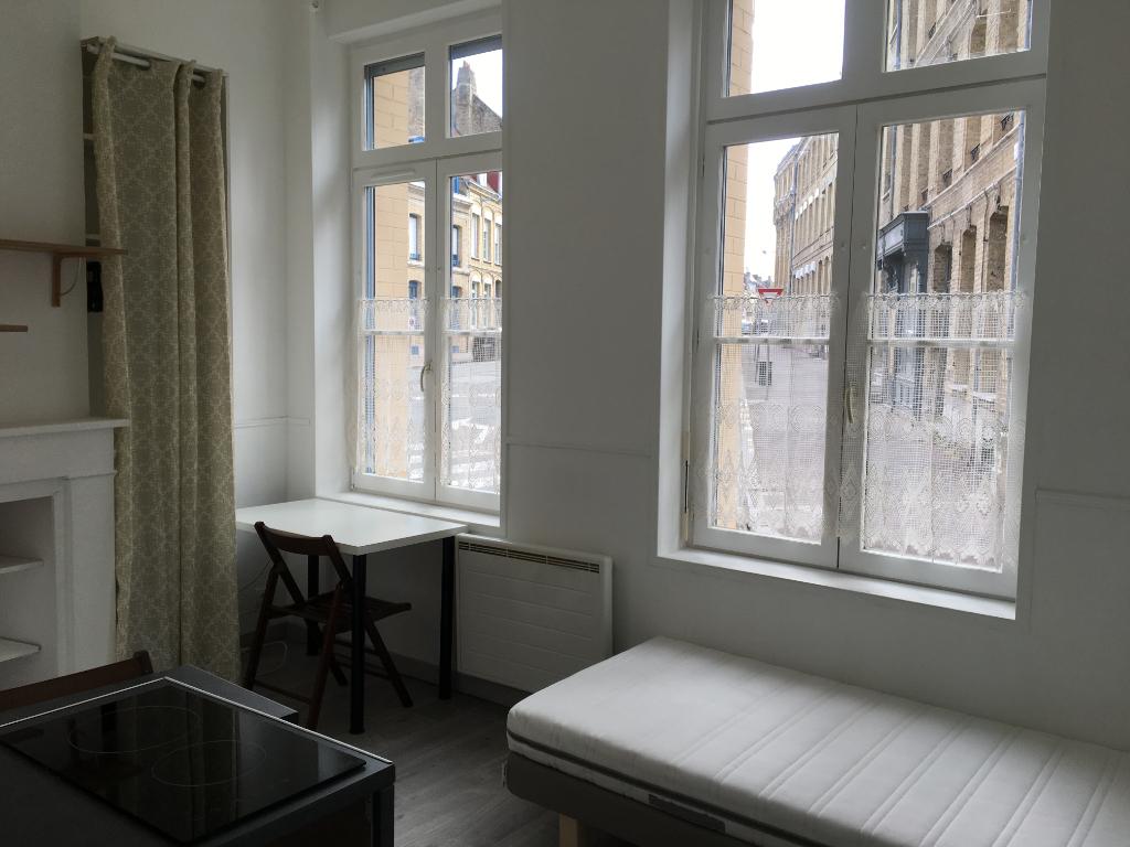 Rental apartment Saint omer 300€ CC - Picture 2