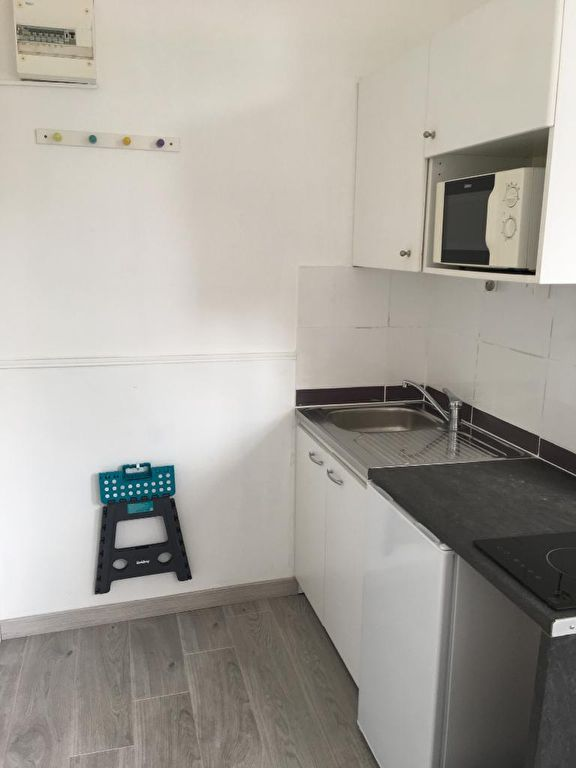 Rental apartment Saint omer 300€ CC - Picture 3