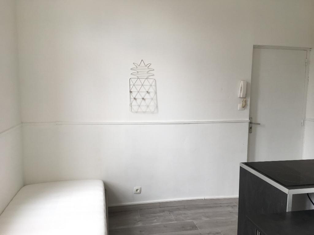 Rental apartment Saint omer 300€ CC - Picture 4