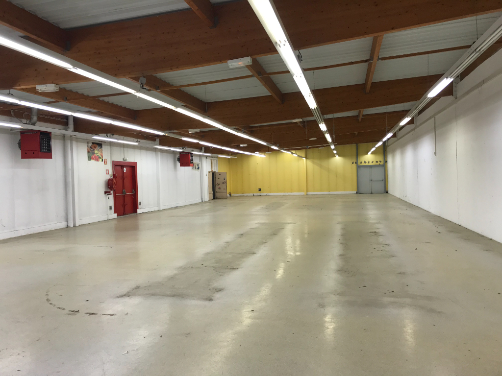 Location local commercial Aire sur la lys 4 640€ HC - Photo 2