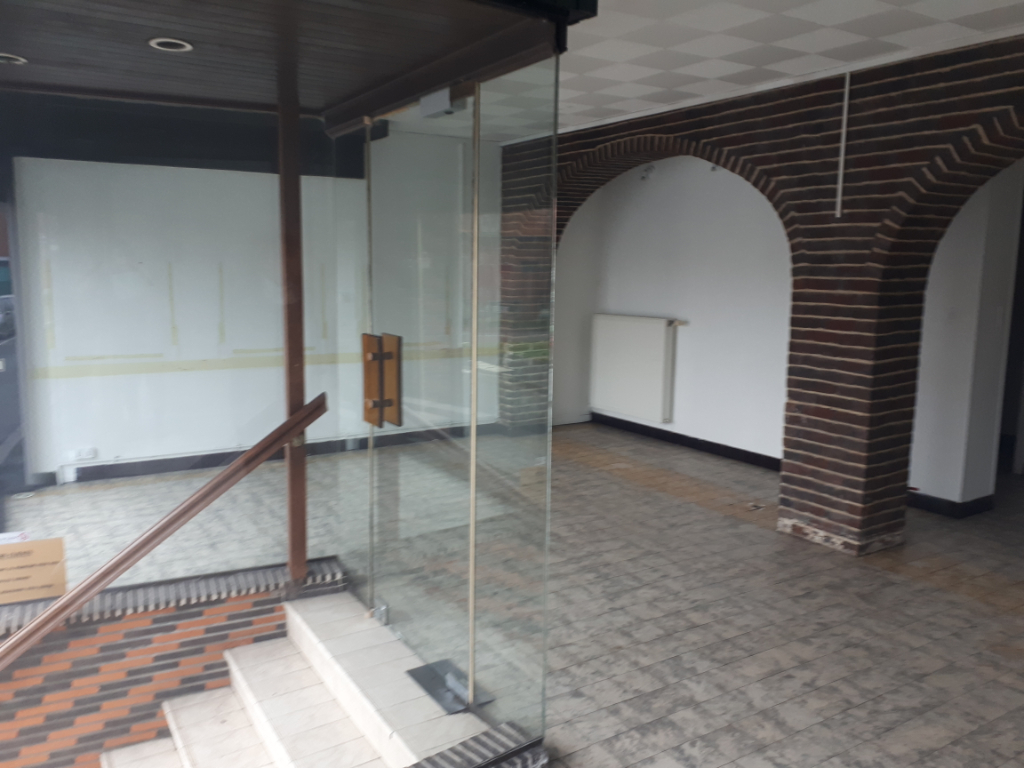 Location local commercial Wizernes 450€ HC - Photo 4