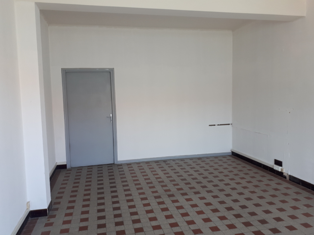 Rental empty room/storage Saint omer 300€ HC - Picture 2