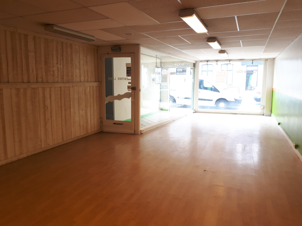 Rental empty room/storage Arques 900€ HC - Picture 3