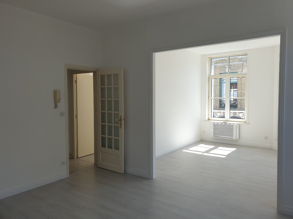 Sale apartment St omer 95000€ - Picture 2
