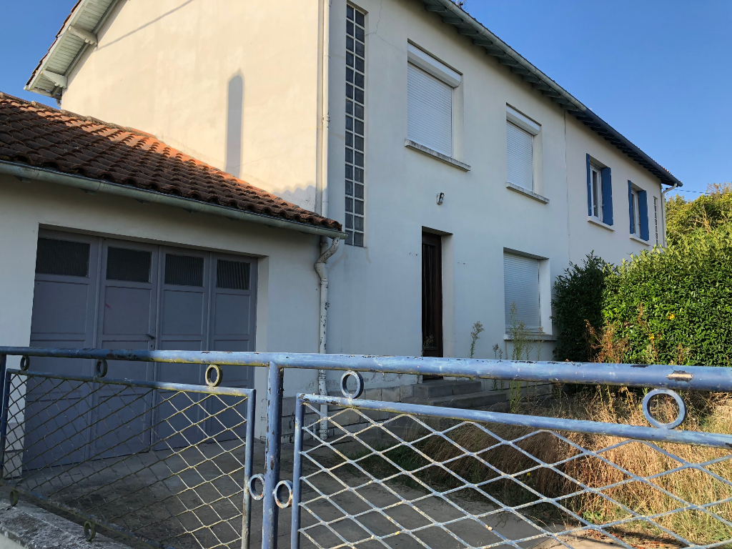 House Saint Jean D Angely 4 room (s) 90 m2