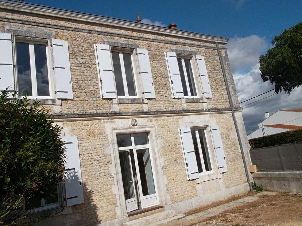 Vente Maison 5 pièces VERINES 17540