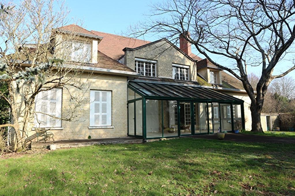 vente maison/villa 16 pièces NIORT 79000