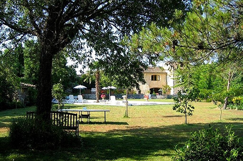 Uz s r gion grand mas 450m2 sh jardin piscine chauff e for Le petit jardin uzes