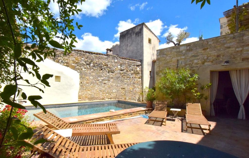 uz s n mes grande maison de charme 6 chambres terrasses piscine uz s 30700. Black Bedroom Furniture Sets. Home Design Ideas