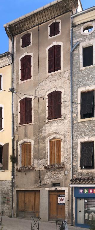 vente immeuble 8 pièces SAINT AMBROIX 30500