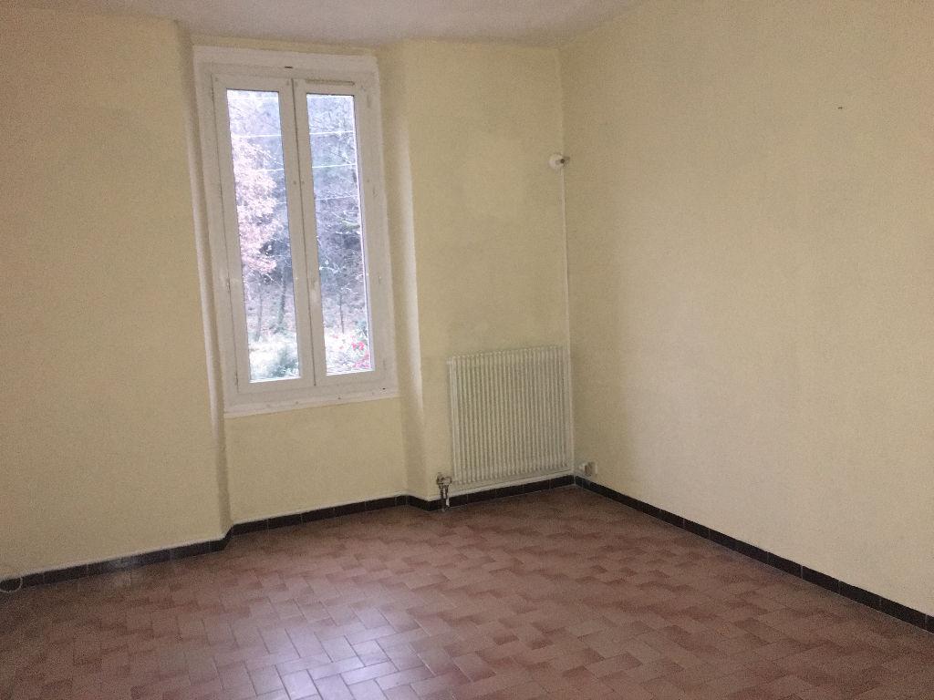 Appartement proche al s al s 30100 for Code postal ales