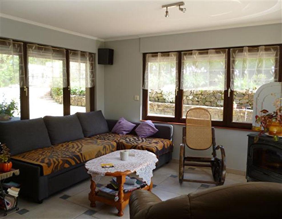 charmante maison avec g te et chambre d 39 hotes moli res sur c ze 30410. Black Bedroom Furniture Sets. Home Design Ideas