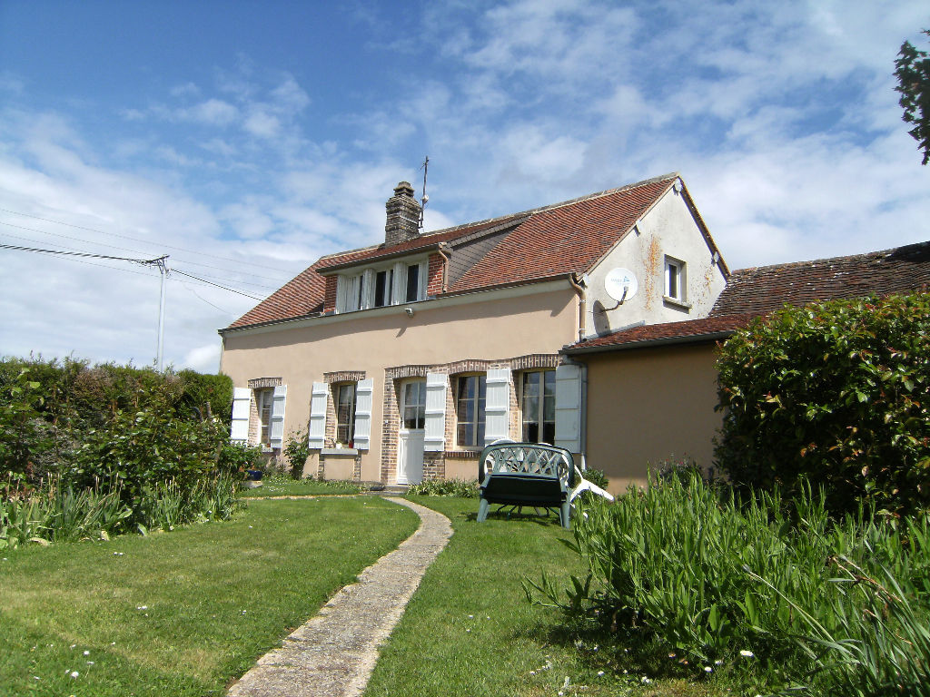 A vendre longere 105m proche illiers illiers combray 28120 for Garage illiers combray