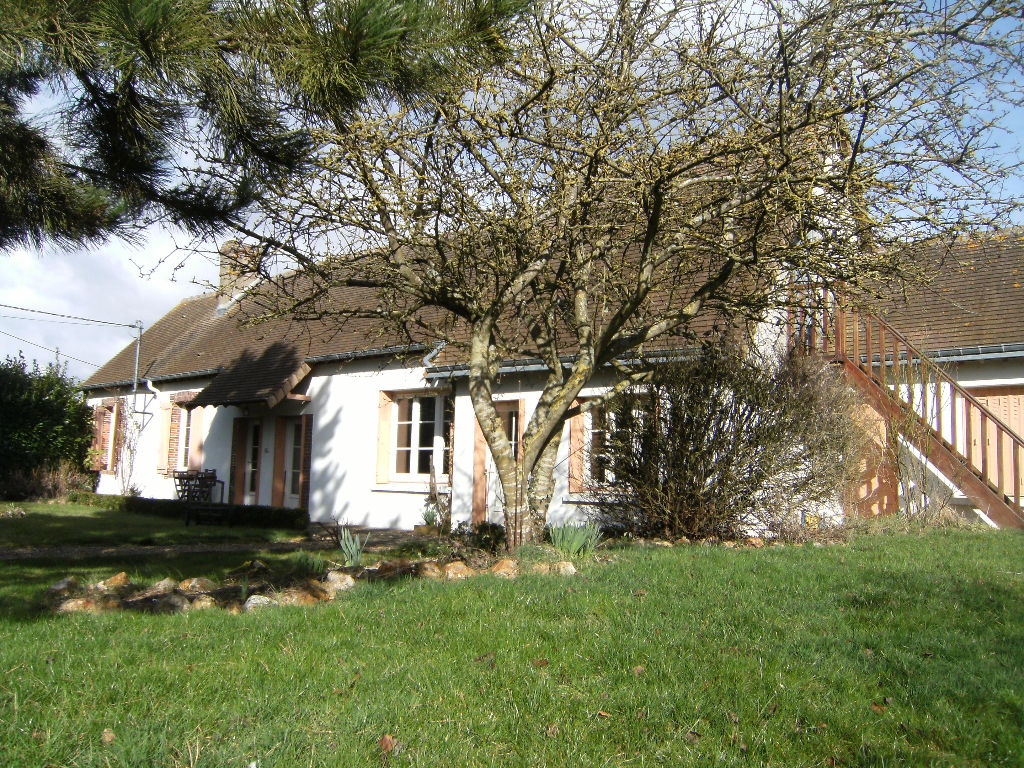 A vendre maison de campagne renovee illiers combray 28120 for Garage illiers combray