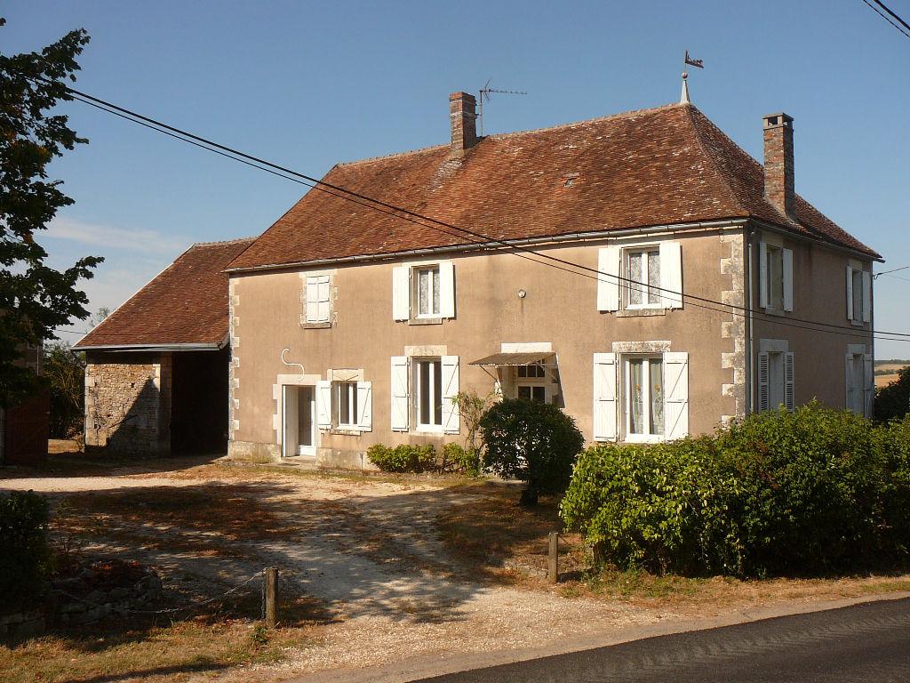Maison Saint Sauveur En Puisaye 200 m²